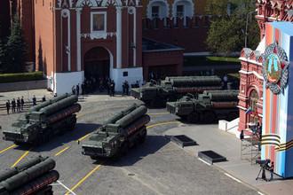 Зенитные ракетные комплексы С-400 «Триумф» во время генеральной репетиции военного парада Победы, 7 мая 2019 года