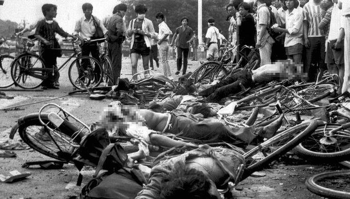 Танки после Горбачева: как разгоняли студентов на Тяньаньмэнь