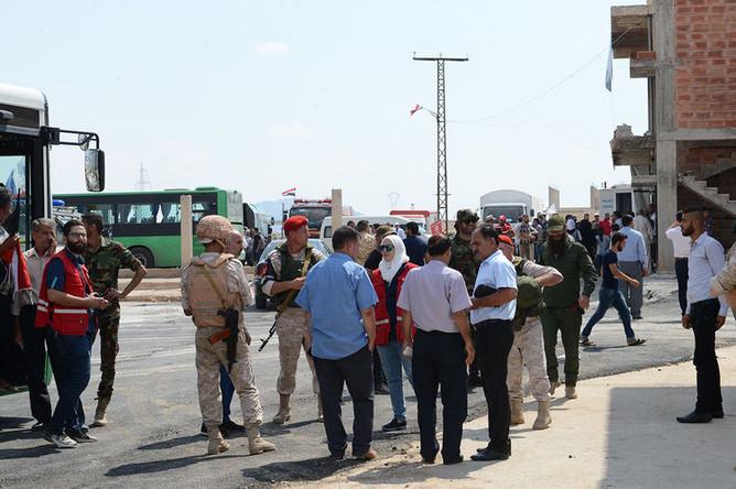 22 августа сирийская армия при масштабной поддержке российских ВКС освободила город Хан-Шейхун. Это в значительной степени активизировало работу пункта пропуска беженцев «Суран». Теперь здесь регистрируют и тех, кто возвращается в эти земли со всей Сирии