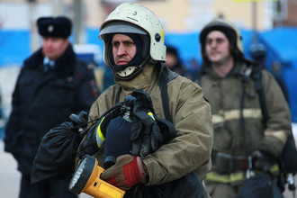 Спасатели на месте взрыва бытового газа в жилом доме на Минской улице
