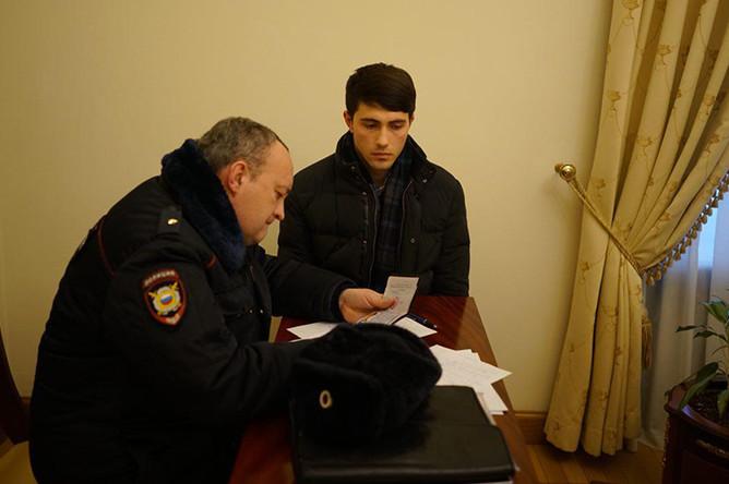 Напавший на Ксению Собчак Алан Дзуцев, 4 марта 2018 года