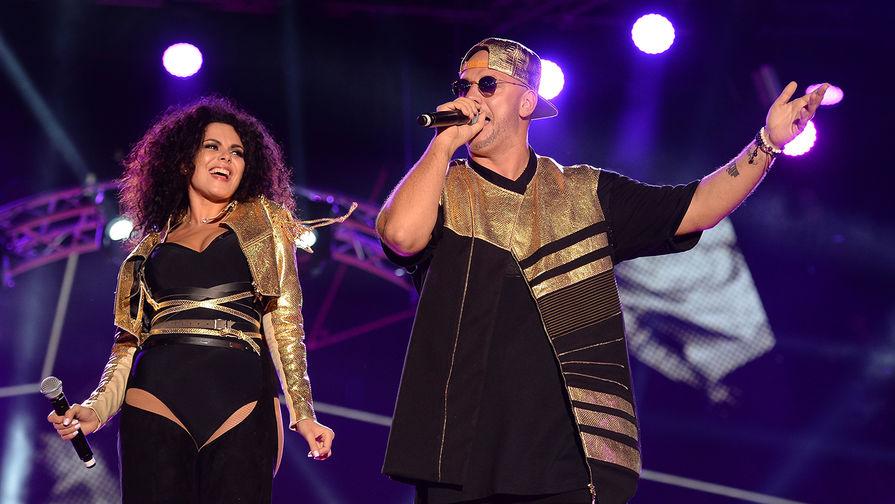 Дуэт «Потап и Настя» выступает во время музыкального фестиваля «Жара» в Баку, 2016 год