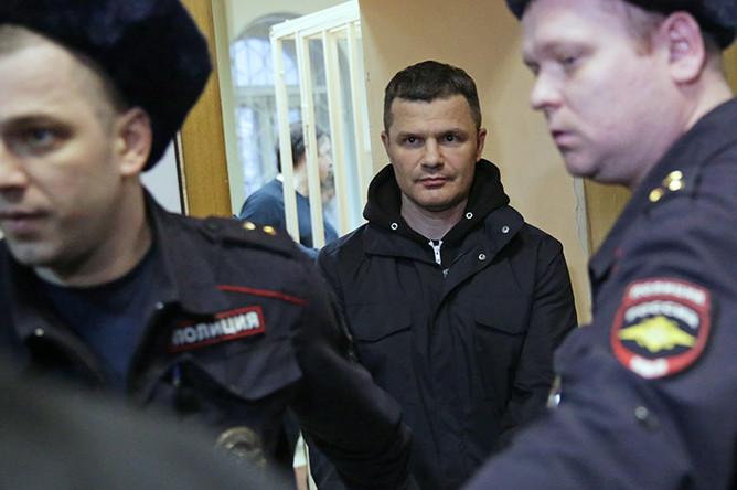 Владелец аэропорта Домодедово Дмитрий Каменщик, обвиняемый по делу о теракте в Домодедово в январе 2011 года, во время рассмотрения ходатайства следствия в Басманном суде