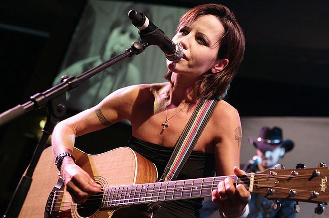 Долорес О'Риордан в 2008 году