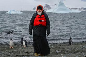 Патриарх Московский и всея Руси Кирилл во время визита на российскую полярную станцию «Беллинсгаузен» на острове Ватерлоо в Антарктиде, 2016 год