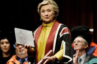 Экс-госсекретарь США Хиллари Клинтон во время мероприятия в университете британского Суонси, октябрь 2017 года