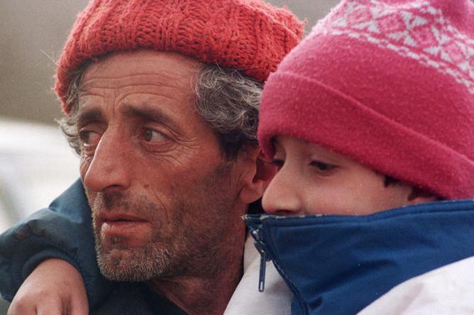 Албанские беженцы на границе Македонии