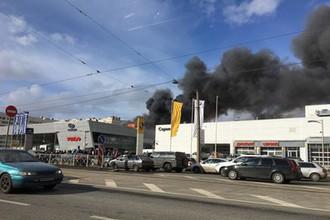 Пожар в автосалоне в Санкт-Петербурге, 28 марта 2018 года