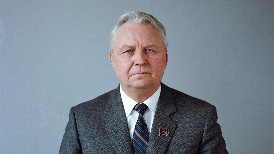 Егор Кузьмич Лигачев, 1985 год