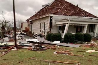 Последствия мощного торнадо в Алабаме