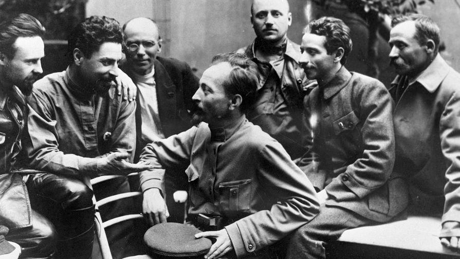 100 лет назад Ленин призвал брать в заложники членов семей военспецов