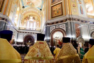 Во время торжественного молебна по случаю начала Архиерейского собора Русской православной церкви в храме Христа Спасителя, 29 ноября 2017 года