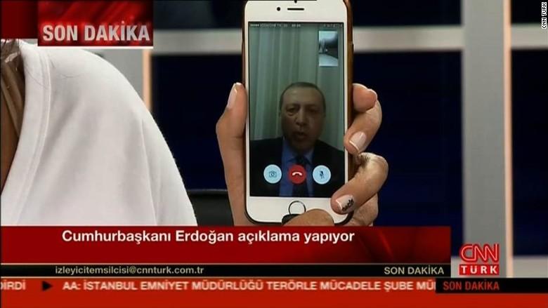 президент Турции Реджеп Тайип Эрдоган в эфире CNN через FaceTime