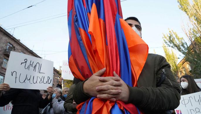«Население оскорблено»: уйдет ли в отставку премьер Армении