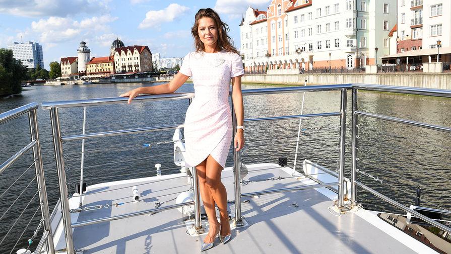 Актриса Елена Лядова перед открытием фестиваля короткометражного кино «Короче» в Калининграде, август 2018 года