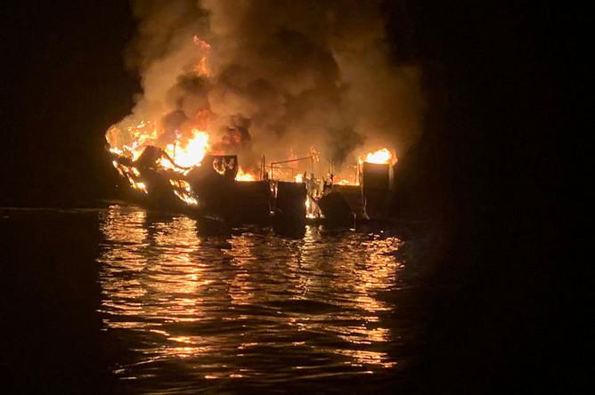 Пожар на корабле у берегов Калифорнии, 2 сентября 2019 года
