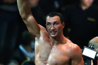 Владимир Кличко продолжил чемпионскую поступь победой над Александром Поветкиным