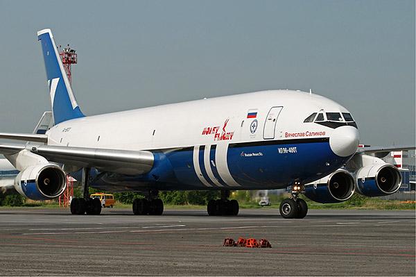 Cамолет Ил-96-400Т