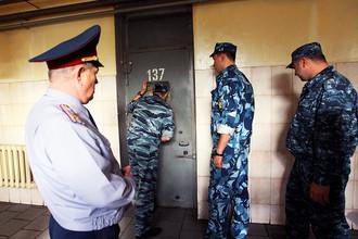 Суд освободил парализованного заключенного Владимира Топехина