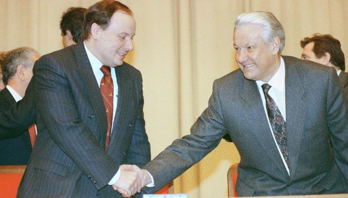 Президент РСФСР Борис Ельцин и заместитель председателя правительства РСФСР по вопросам экономической политики Егор Гайдар