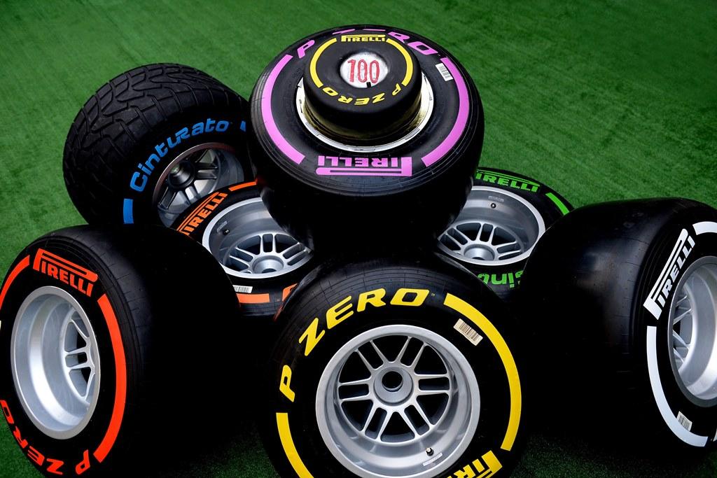 На каждый из этапов чемпионата «Пирелли» предоставляет командам «Формулы-1» различные комплекты шин, отличающиеся друг от друга по жесткости состава — от самых скоростных и быстроизнашиваемых, до более медленных, но, в то же время, выносливых.