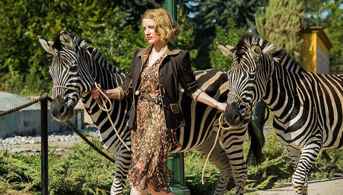 Кадр из фильма «Жена смотрителя зоопарка» (2017)