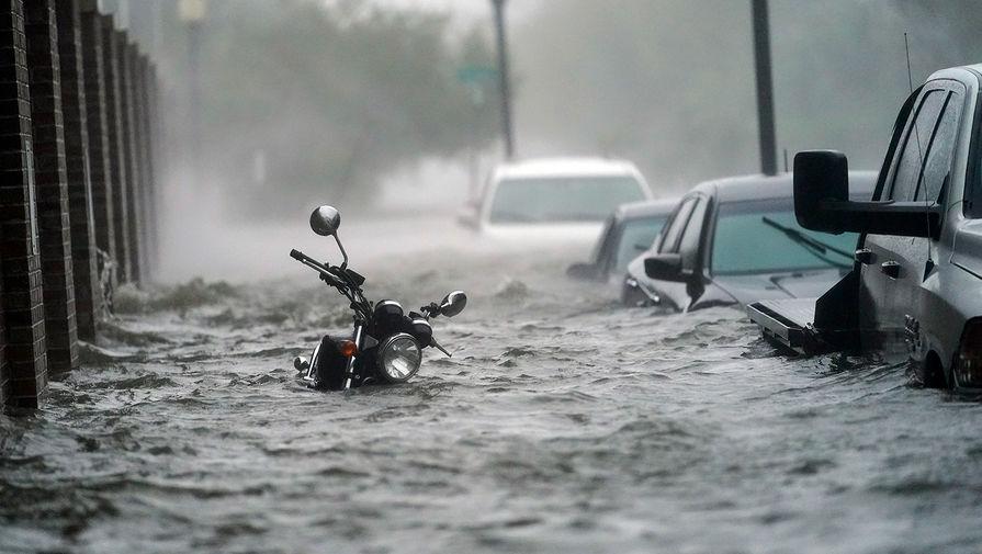 Последствия урагана «Салли» во Флориде, США, 16 сентября 2020 года
