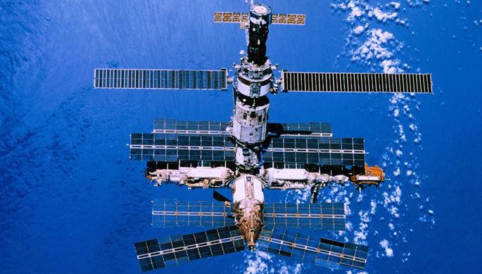 20 февраля 1986 года выведен на орбиту базовый блок орбитальной станции «Мир»