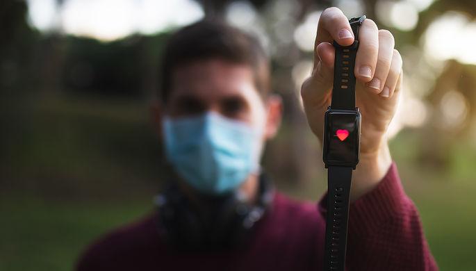 «Метод контроля организма»: как смарт-часы помогают в борьбе с COVID-19
