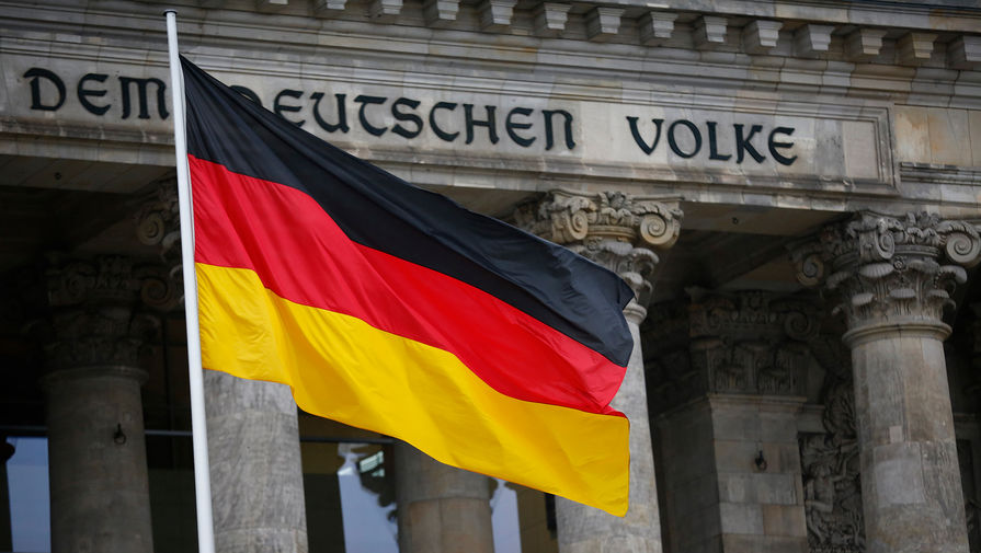 Немецкий депутат подаст иск в суд с требованием признать Спутник V