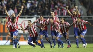 Футболисты сборной Парагвая после окончания серии пенальти в матче с Бразилией