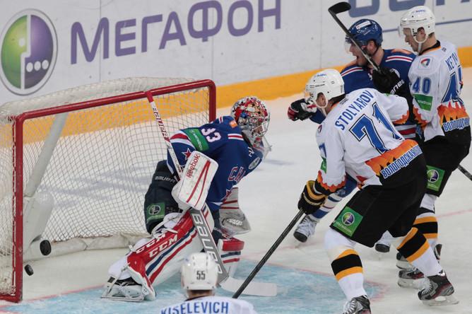 Илья Ежов отыграл матч в Череповце «на ноль»