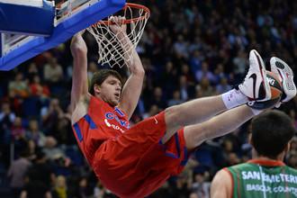 Виктор Хряпа преодолел рубеж в 1000 очков в Евролиге