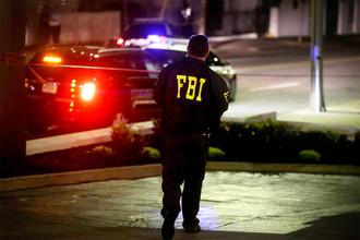 ФБР около афроамериканской церкви, где произошло массовое убийство