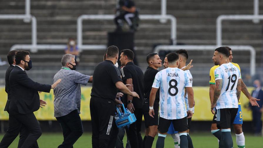 Главный тренер сборной Аргентины прокомментировал остановку матча с Бразилией