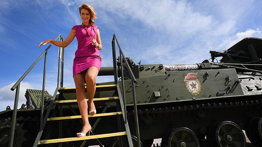 Самый красивый девушка в армии
