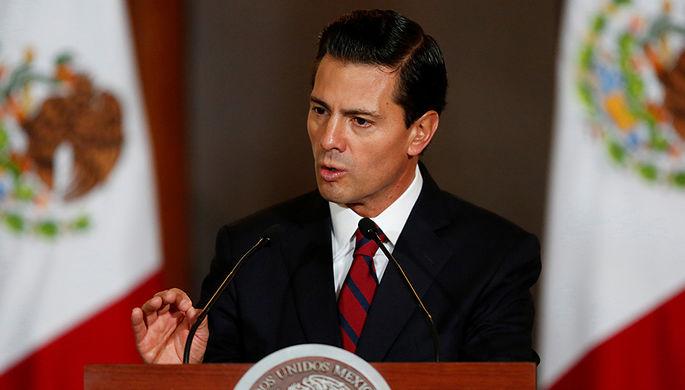 Президент Мексики Энрике Пенья Ньето на встрече с членами дипломатического корпуса в Мехико, 11...