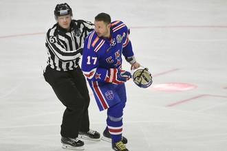 Илья Ковальчук успевает на старте сезона и быть лидером СКА по результативности, и участвовать в потасовках с соперниками