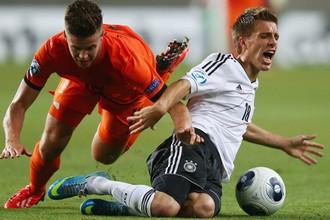 Молодые голландцы победили принципиального соперника