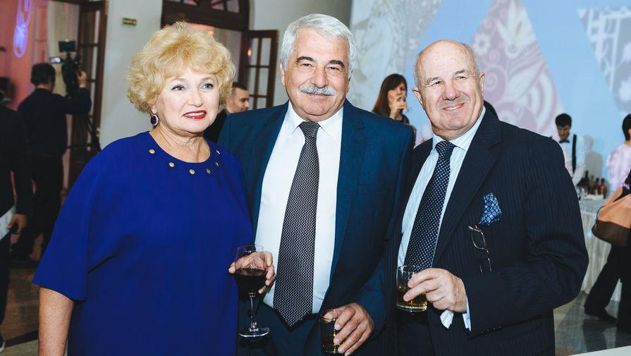 Людмила Нарусова, супруг экс-посла Израиля Дорит Голендер и журналист Йосси Тавор