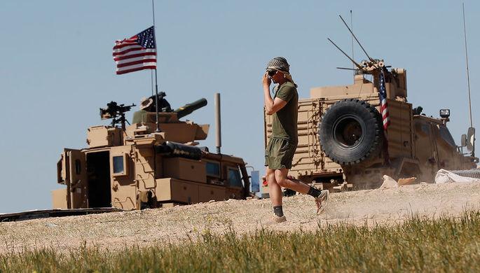 Войска остаются: Трамп не отдает нефть Сирии