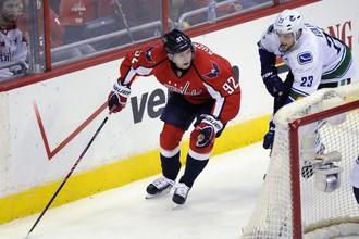 Евгений Кузнецов набрал первые баллы в НХЛ
