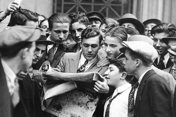 За 7 лет с 1922 года по 1929 промышленный индекс Dow Jones вырос более чем в 6 раз, с 63,90 пунктов до 381, 17 пунктов. Рост индекса подстегивал биржевую эйфорию в США – многие домохозяйства вкладывали свои средства в акции, ожидая дальнейшего роста их стоимости