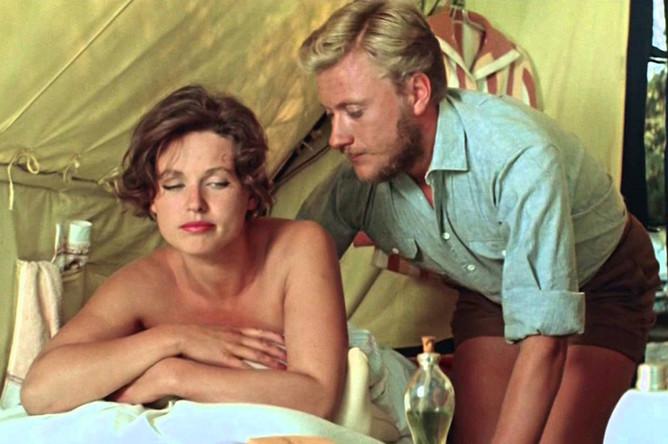 Наталья Фатеева и Андрей Миронов в сцене из фильма «Три плюс два», 1963 год