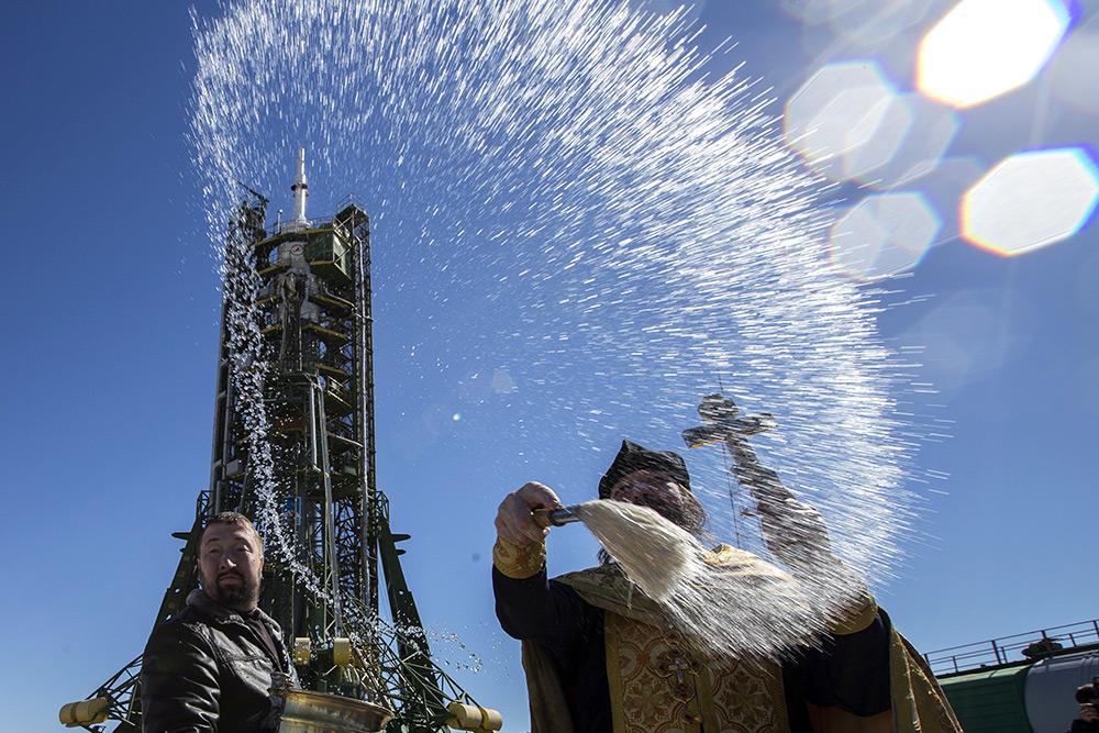 Ракету-носитель с «Союзом ТМА-16М» освятили на Байконуре - Газета.Ru | Фото