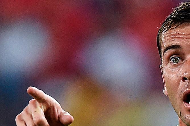 Александр Кержаков в матче группового этапа чемпионата мира по футболу 2014 между сборными командами России и Южной Кореи на стадионе «Пентанал» в Куябе, 2014 год