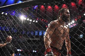 Американский боец UFC Хорхе Масвидаль в поединке против Нейта Диаса