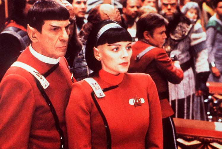 Леонард Нимой и Ким Кэттролл в фильме «Звездный путь 6: Неоткрытая страна» (1991)