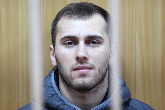 Подозреваемый в хулиганстве Ислам Муртазалиев в Тверском суде Москвы, 10 января 2017 года