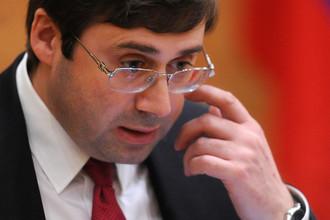 Зампред Центробанка Сергей Швецов на парламентских слушаниях в Госдуме, 2013 год